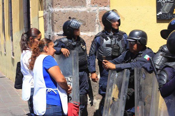 Mandan a la prepa a policías de UROP