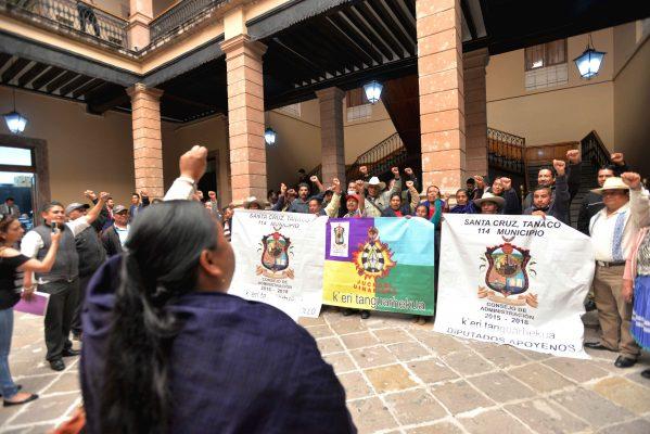 Nahuatzen va por Usos y Costumbres