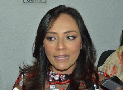 2 ADRIANA HERNÁNDEZ (LCM)