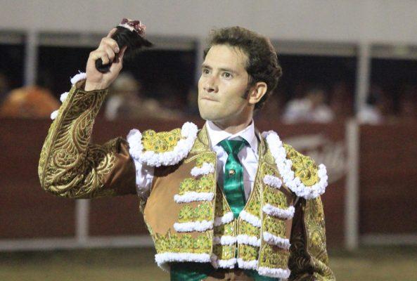Arturo Saldívar triunfa en Yuriria