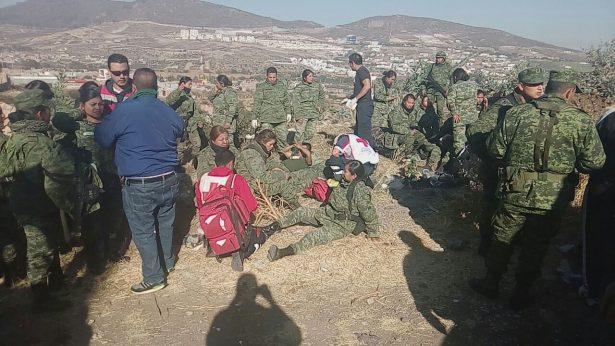 Camión militar vuelca; 24 lesionados y un fallecido