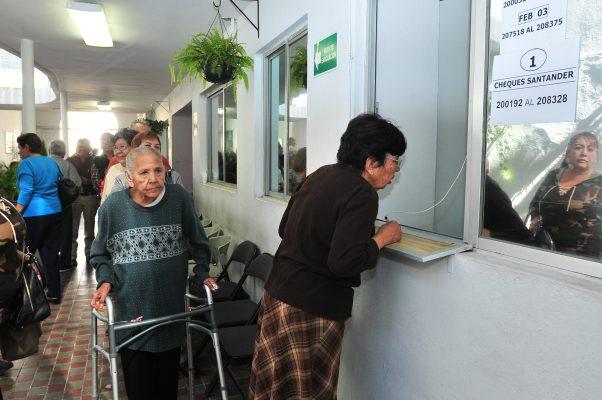 Critican recortes a la Dirección de Pensiones