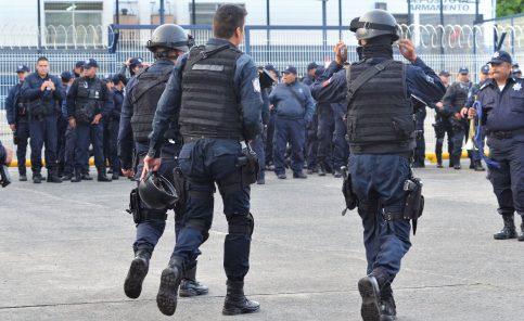 Policias (LCM) (2)