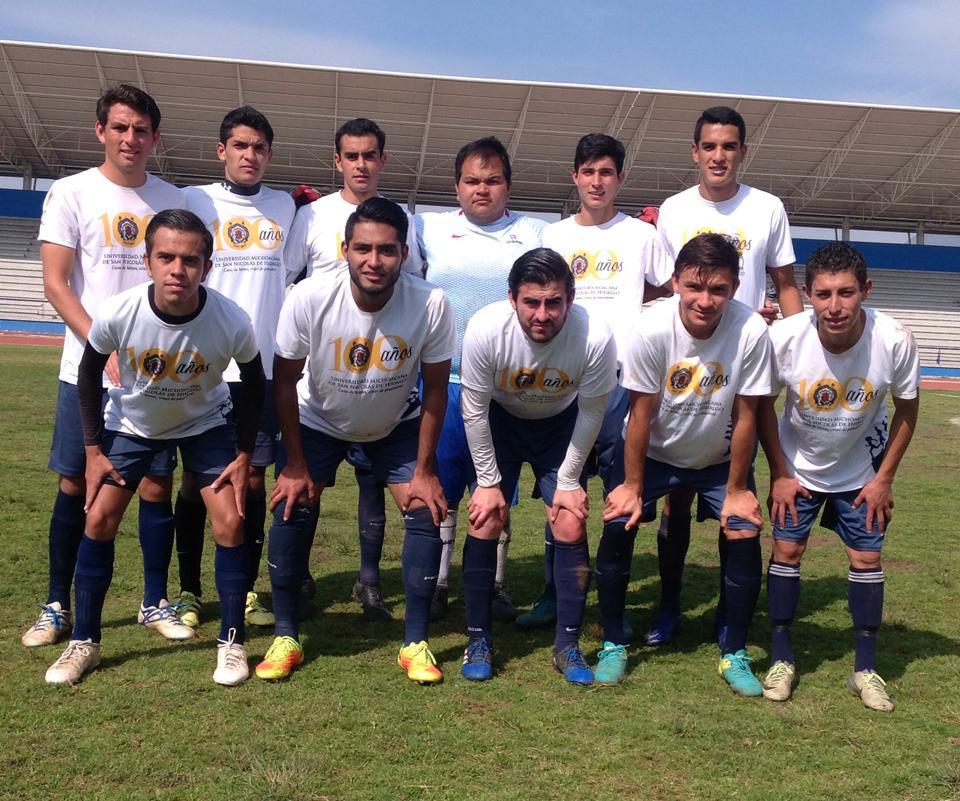 Un cuadro con futbolistas que no superan los 26 años de edad. (Foto: Óscar Tapia campos)