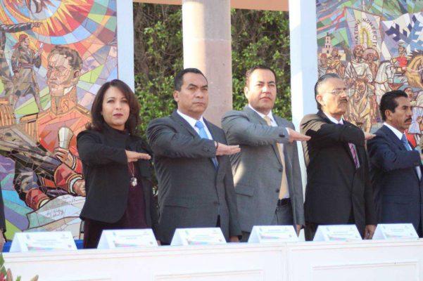 La mejor forma de honrar la Constitución es promoviendo y defendiendo sus postulados: Adrián López