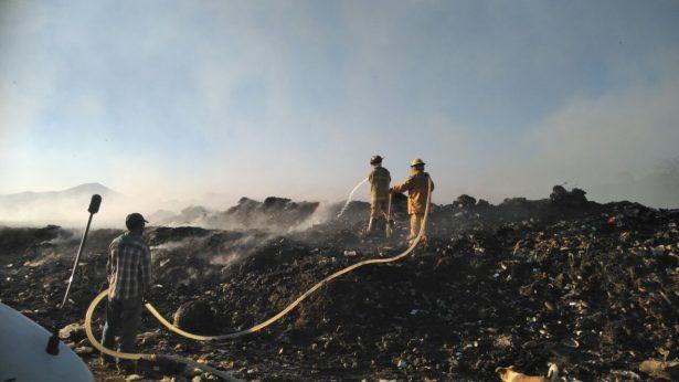 Controlado en un 95 por ciento incendio en basurero de Purépero