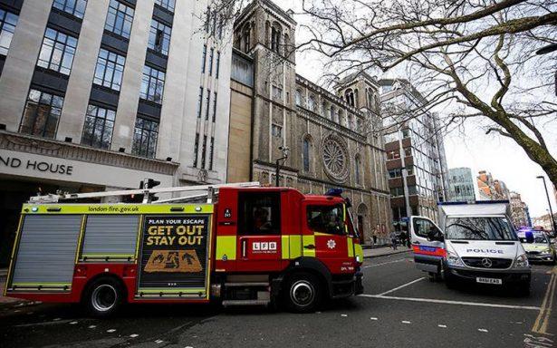 Hallan paquete sospechoso cerca de la sede central de Cambridge Analytica en Londres