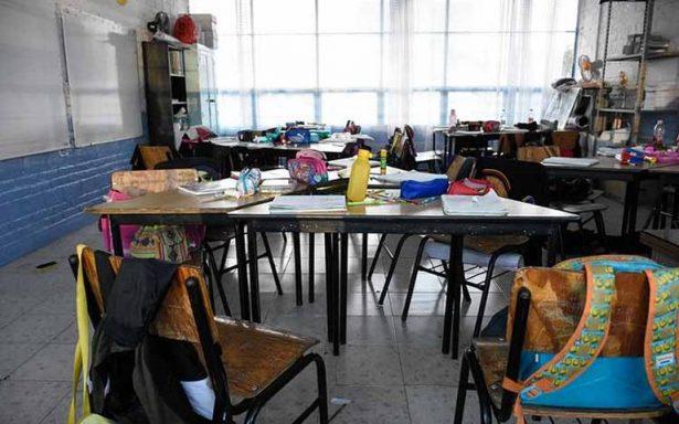 Comando irrumpe en escuelas de Acapulco para robar y rapar con cuchillos a estudiantes