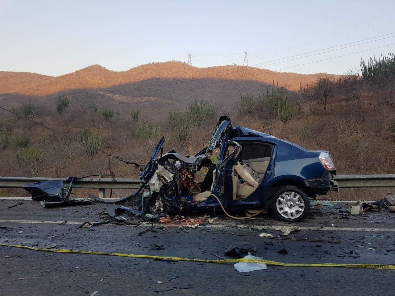 Choque en la Autopista Siglo 21 deja 6 fallecidos