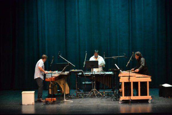 Versus 8 se presentó en el Teatro Ocampo