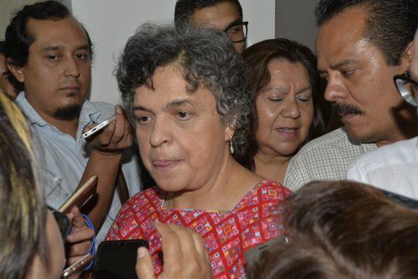 Llama Beatriz Paredes al voto reflexionado