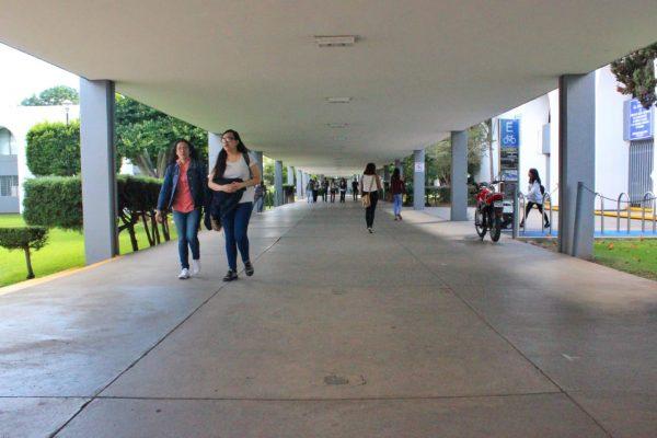 En total 18 mil 700 jóvenes culminaron el proceso de ingreso a la UMSNH