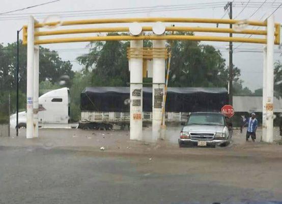 Impacta Carlotta en Costa Michoacana