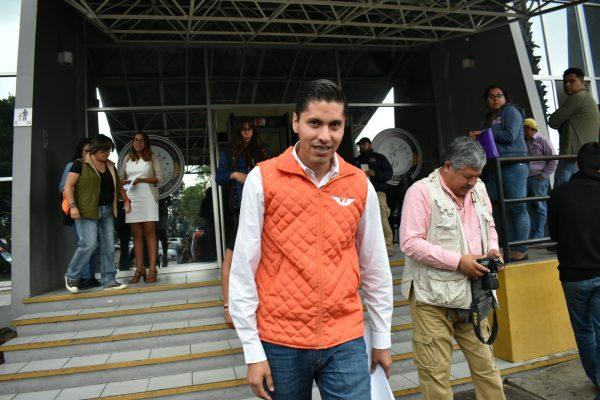 Con mismo celular que amenazaron a Javier Paredes, reciben intimidaciones dos políticos más