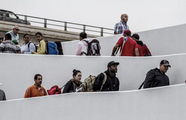 Esperan retornen 20 mil michoacanos migrantes