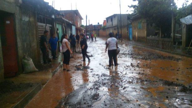 Deja tromba más de 30 viviendas afectadas en Acuitzio