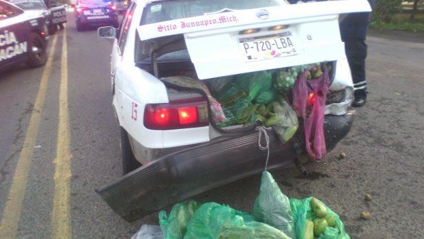 Choque por alcance deja una persona lesionada en la carretera Zitácuaro-Morelia