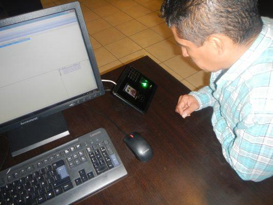 Equipan con lectores biométricos a seis municipios