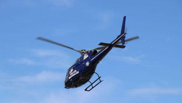 Recuperan vehículos que fueron robados de una agencia de autos en Uruapan; hay tres detenidos