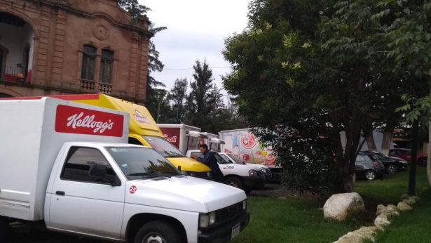Normalistas de Tiripetío retienen unidades repartidoras y a choferes