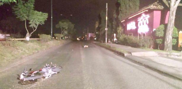 Atropellan a motociclista; pierde la vida