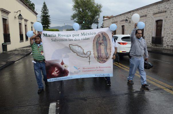 Marchan a favor de la vida y en contra del aborto