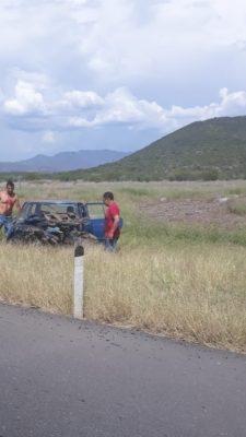 Volcadura de un vehículo sobre la Autopista Siglo XXI deja un lesionado grave