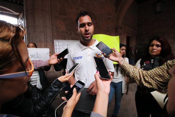 Piden continuar con las becas del Colegio de Morelia