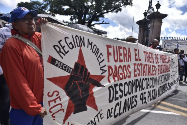 Marchan por aniversario del Frente Cívico Social