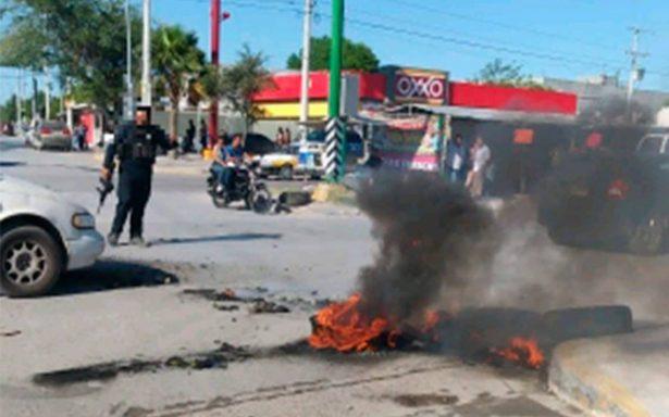 Grupos armados se enfrentan en Reynosa; bloquean calles