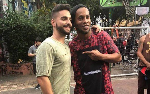 Ronaldinho y Maluma juntos… ¿para grabar el tema del Mundial?