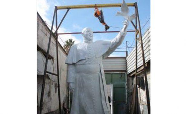 Con 4 metros de altura, estatua del Papa Francisco vigilará frontera México- EU