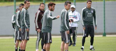 Familiares de futbolistas mexicanos llegarán un día después de lo esperado