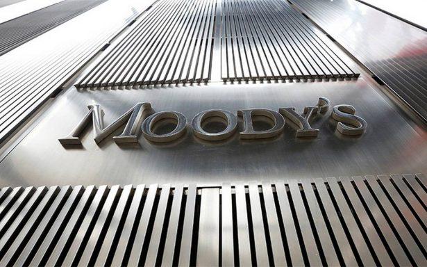 Moody's mejora panorama crediticio de México y desestima que próximo gobierno debilite la economía