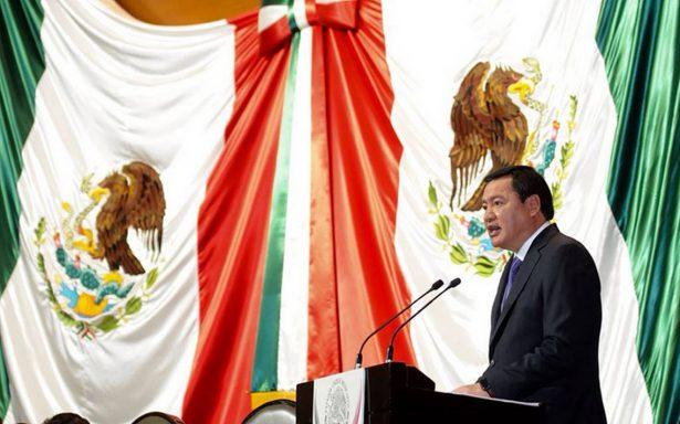 Osorio Chong reconoce 'grandes debilidades' en seguridad municipal