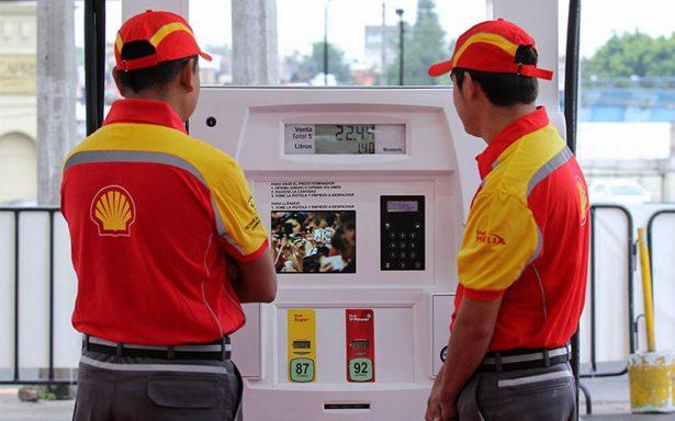 Venden gasolina a precio liberado en estados del norte