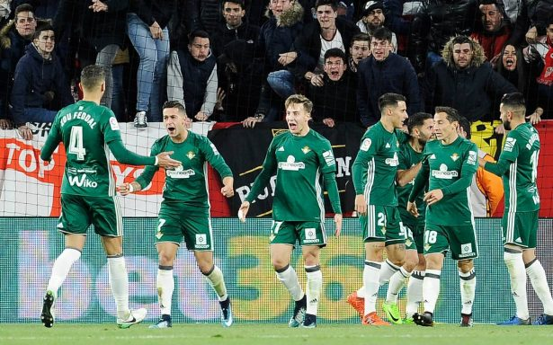 Con Andrés Guardado de titular, Real Betis vence 5-3 al Sevilla