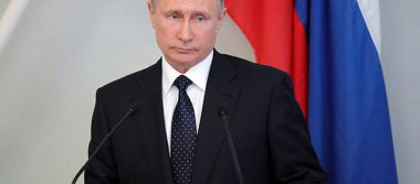 Putin: supuesta injerencia rusa en EU es invento de rivales de Trump