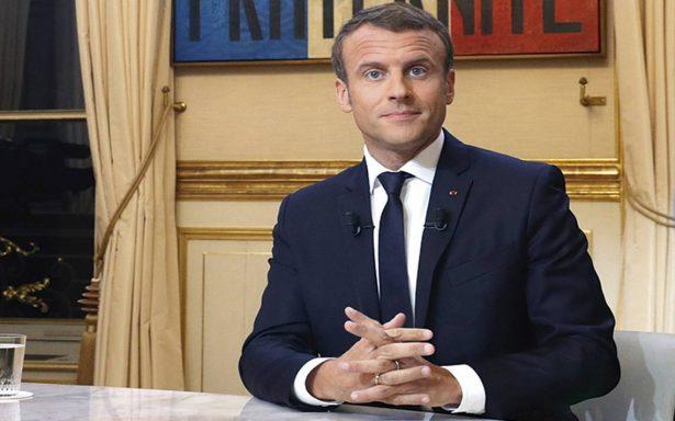 Emmanuel Macron va contra la población de migrantes