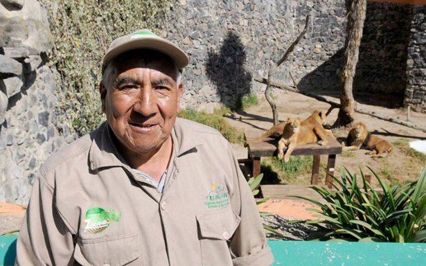 Reconocen a empleado del zoológico de Zacango