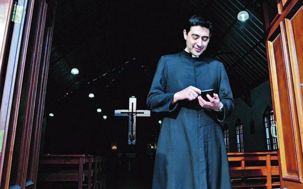 Aparecen nuevos juramentos católicos por adicción al celular