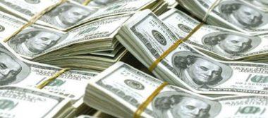 Peso y bolsa mexicana registran ganancias tras despido de Bannon, asesor de Trump