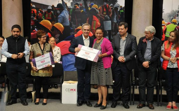 Candidatos harían mal en no hablar sobre la reconstrucción de la CDMX: Mancera