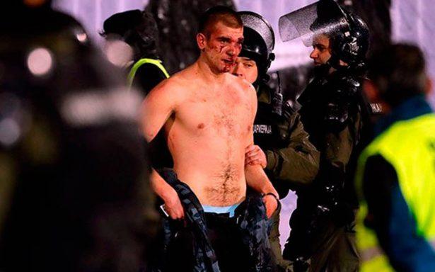 [Video] Sangrienta pelea entre aficionados de Serbia durante derbi deja 20 heridos