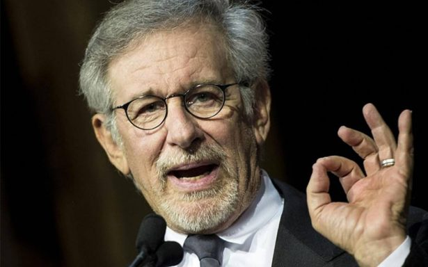 Steven Spielberg en busca de actores que hablen español para su nueva cinta