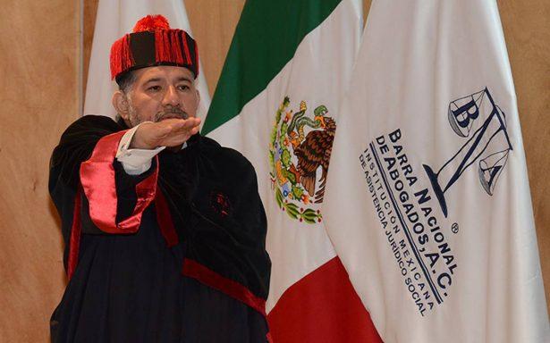 El licenciado José Manuel Miranda de Santiago recibió el grado de doctor en derecho