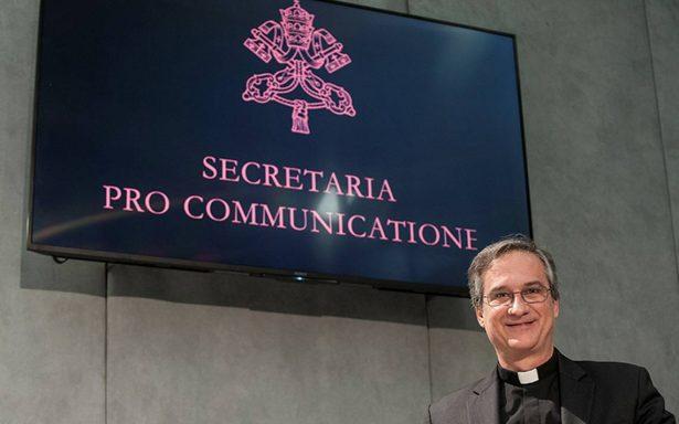 Por falsear carta de Benedicto XVI renuncia jefe cercano al Papa