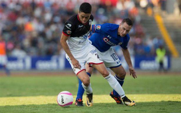 Lobos golea a Cruz Azul y complica calificación a Liguilla