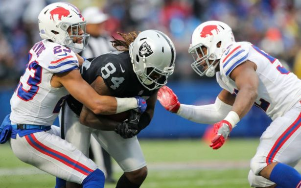 Bills siguen imbatibles en casa, vencen 34-14 a Raiders en NFL