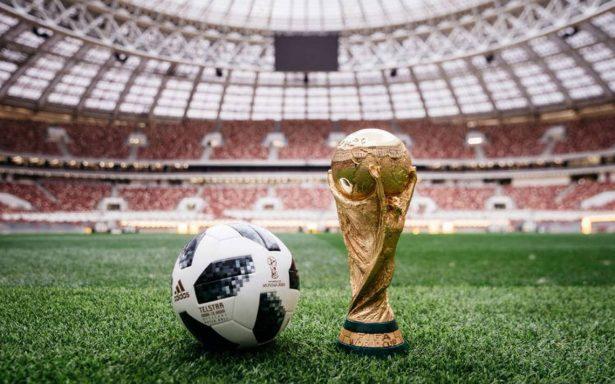 Messi presenta el Telstar 18, balón oficial de Rusia 2018